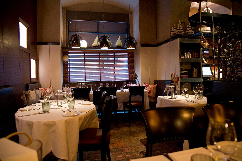 L illuminazione nel ristorante non sottovalutiamone l importanza
