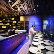 L'illuminazione nella cucina del ristorante
